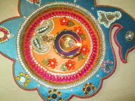 Navratri aarti thali decoration contest page 6 for Aarti thali decoration with pulses