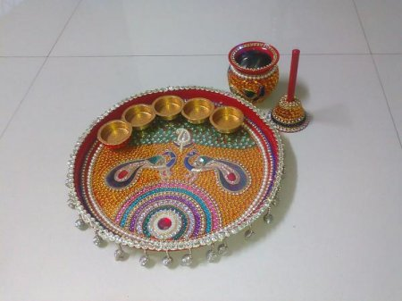 Arts crafts roundup in il oct 2015 indusladies for Aarthi plates decoration