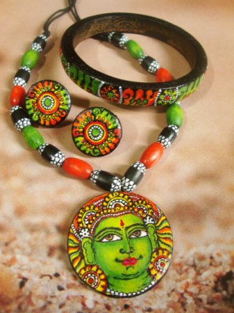 Kerala mural painting in terracotta indusladies for Mural jewellery