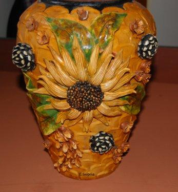 Ceramic Sunflowerwork On Pot 1
