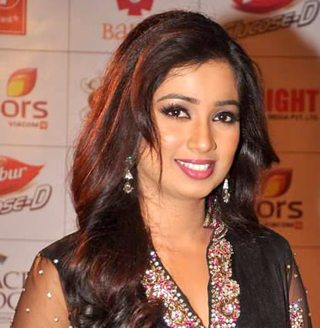 Top 5 Female Bollywood Playback Singers of Today