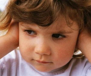 Tips to Encourage a Shy Toddler
