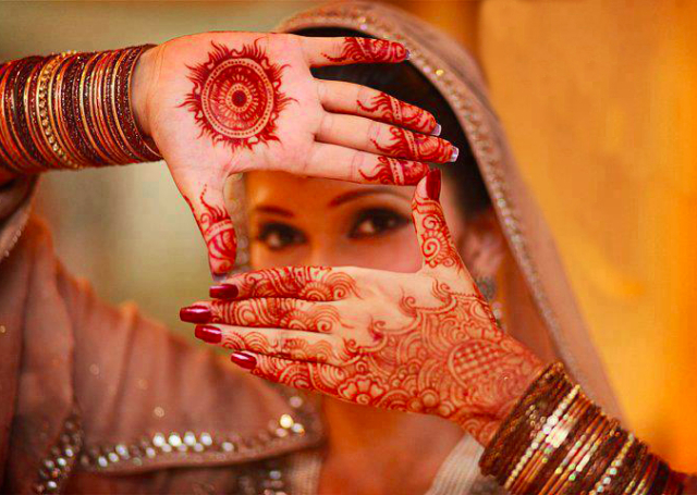 16 Latest and Simple Mehandi Designs to Try Today
