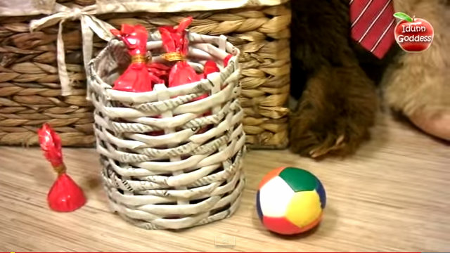 Beautiful Basket from Old Newspapers