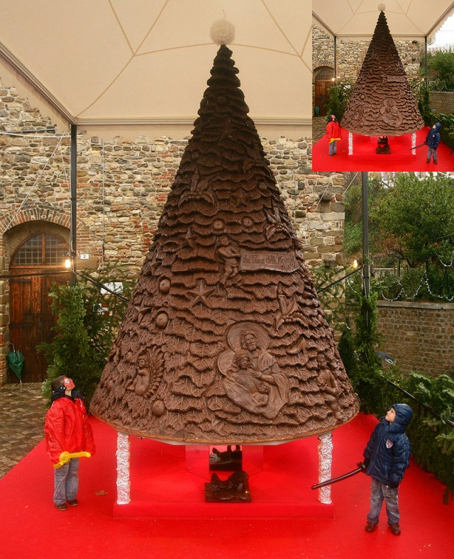 ITALY-CHRISTMAS-TREE